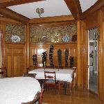 chestnut oval dining room