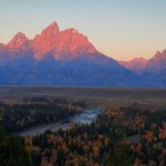 Tetons at sunrise f Snak