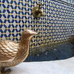 Vous pourrez entendre l'eau de la fontaine et le chant des oiseaux