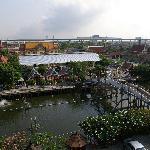 Blick vom Hoteldach auf die gegenüberliegende Tempelanlage