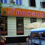 J' Donuts