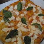 Wonderfully simple pizza I enjoyed.