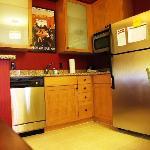 Blick vom Schreibtisch zur Küchenzeile