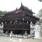 Monastero del palazzo d'oro  (Shwenandaw Kyaung)