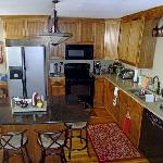 Full kitchen for guests to use