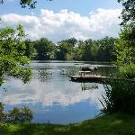 Der See direkt vor dem Hotel