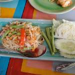 Som tam (spicy papaya salad)