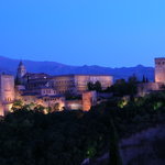 Die Alhambra bei Sonnenuntergang