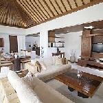 Villa Seriska Living and dining room in modern balinese style