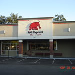 Red Elephant Pizza & Grill의 사진