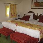 2 single beds