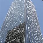 """Typischer Blickwinkel der DALLAS Aussenshoots auf """"Ewing Oil"""""""