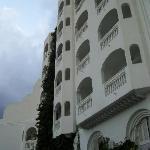 voorkant hotel(kamers)