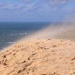 stetiger Wind treibt die Düne landeinwärts