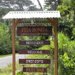 Sign for Pita Bonita