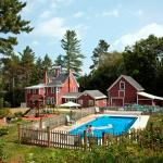 Bartlett Inn Heated Pool near Storyland NH