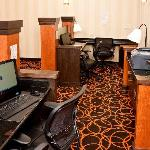 Marriott Fairfield Inn & Suites San Francisco Airport Business Library