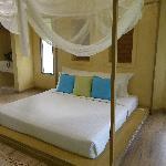 โรงแรม ชิค + ชิลล์ แอท เอวาราณา