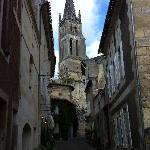 typical village street, Rue Guadet