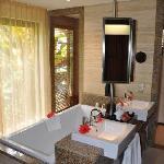 Constance Ephelia Resort - Junior Suite salle de bains