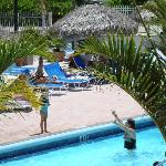 otra foto de la piscina