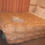 エコノミーダブルのベッド