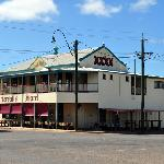 Fantastic pub with great food & staff, about 100 metres from the motel