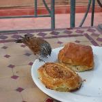 petit déjeuner tout en haut du riad