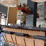 l'angolo bar e cucina a vista