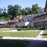 Eingangs- und Hauptgebäude