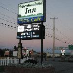 Werbeschild des Motels an der Hauptstraße