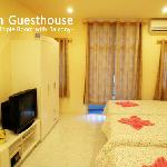 Som guesthouse(Triple room with balcony)