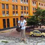 mi esposa y una vista panoramica del hotel