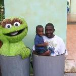 Daddy and Son and Oscar the Grouch