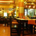 Photo de Big Mama Tapas Bar & Bistro (Spanish Food)