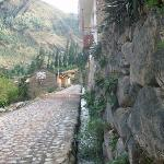 the road to Miscanapampa, Ollantaytambo