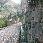 the road to Miscanapampa, Ollantaytambo