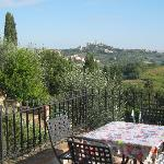 Exquisite view of San Gimignano just 2 km distance