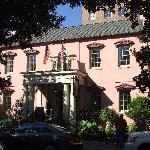 The Old Pink House--next door to Planter's Inn--nice restaurant/great lounge