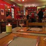 Le restaurant avec le bar