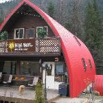 Sunpeaks Hostel