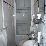 Übers WC in die Dusche