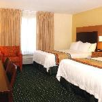 Enjoy 30% larger living space than standard hotel rooms at TownePlace Suites by Marriott Overlan