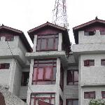 Hotel Sadaf building