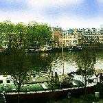 The Amstelriver in the city center of Amsterdam