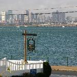 Aussicht auf den Hafen und die Skyline von Boston