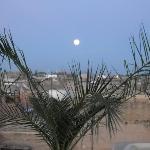 Riad - terrazza con luna piena
