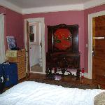 Master Bedroom Dekoven Suites