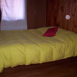 pieza con cama matrimonial