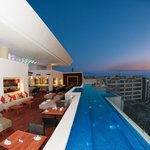 Insu Sky Bar and Pool Lounge